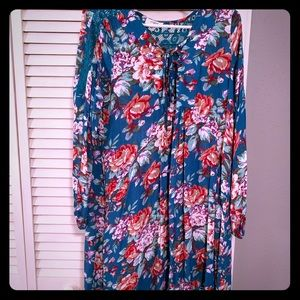 Flowy floral dress with pockets